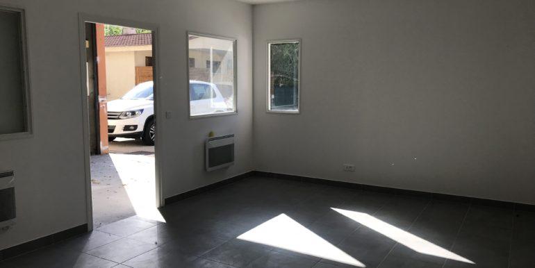 ipro location entrepot gémenos 116-81