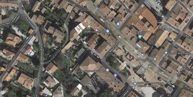 Aubagne Location Commerce 131m2 non divisible (119-52)